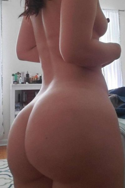 Amateur nude girl in homemade sexy flashing