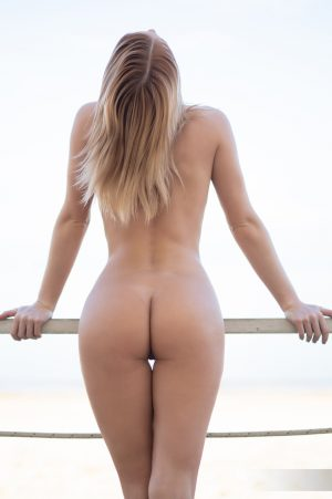 naked woman with hot ass