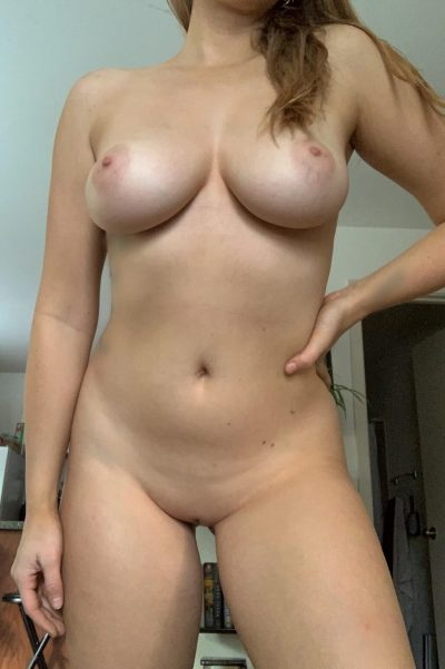 Horny amateur girl with fine boobs gone wild (5 photos)