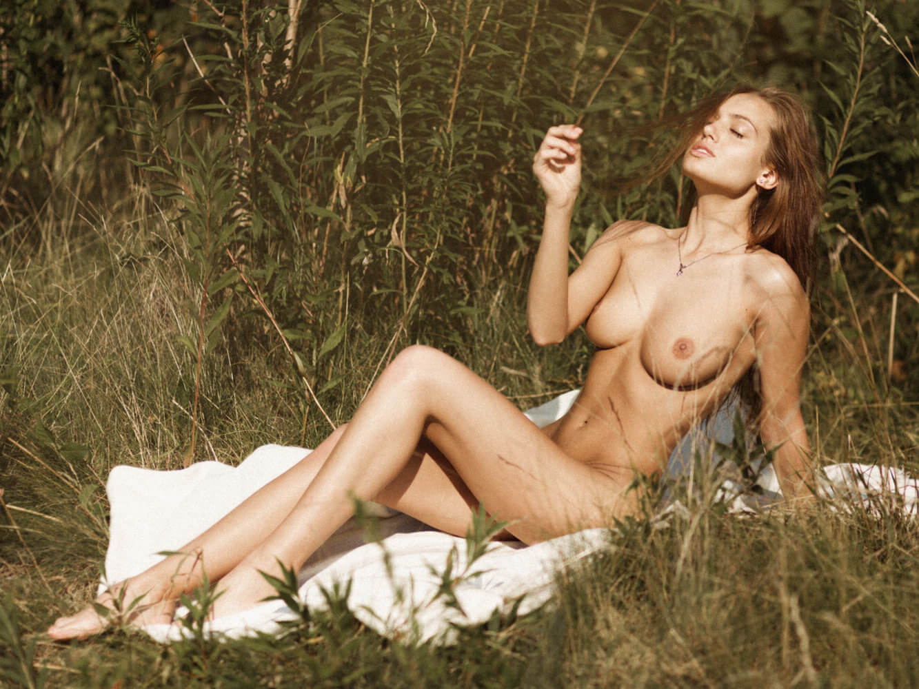 Sophy Angel naked under the sun by Thomas Ringhofer