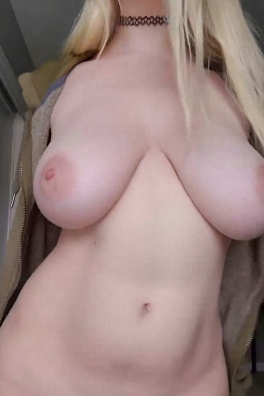 sexy busty blonde naked big boobs and shaved pussy