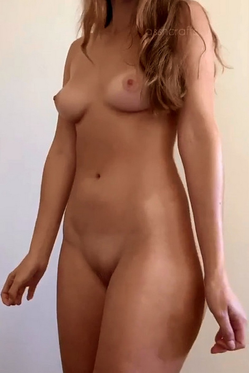 Sexy Young Girl Getting Naked Under Towel Small Tits Curvy Hips Pic