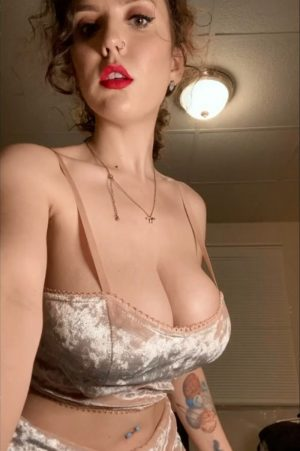 hot lady with fine big tits in reveal video gif