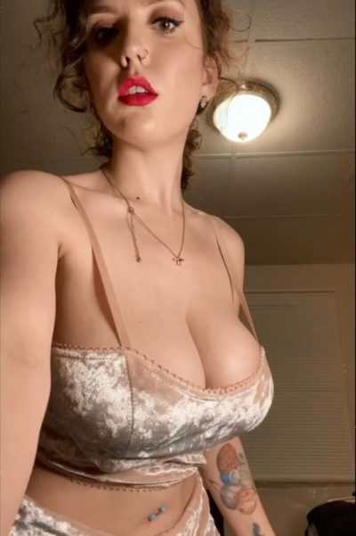 Such nice big tits we're talking about reveal! (gif)