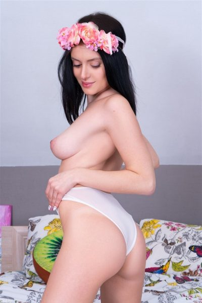 AmourAngels- Cute young girl Minnie getting naked (gallery)