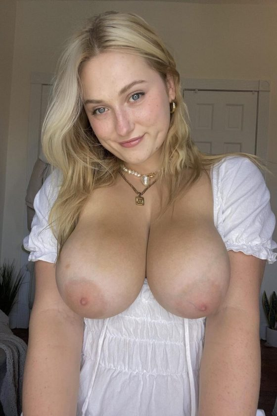 Busty Naturals: Today's is my Birthday (shot)