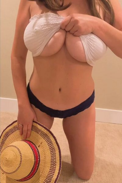 Spring is here! Let me drop my titties for you (gif)