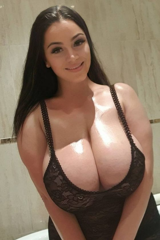 Enormous cleavage lights our eyes!
