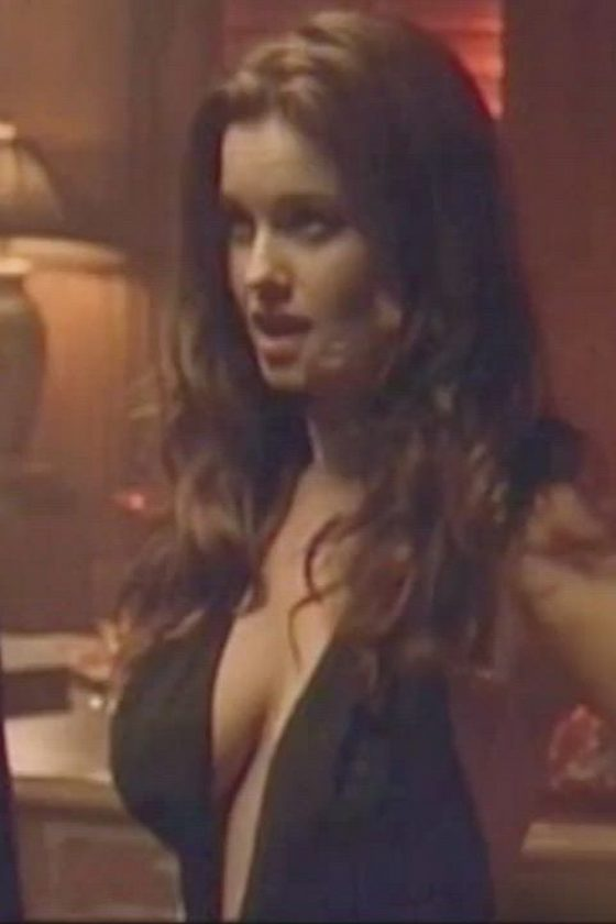 Carrie Stevens – Massive tits plot in 'Who's Your Daddy?' (gif)