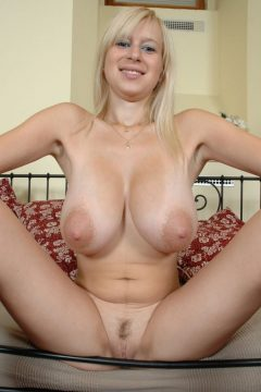 hot blonde with big boobs naked trimmed pussy