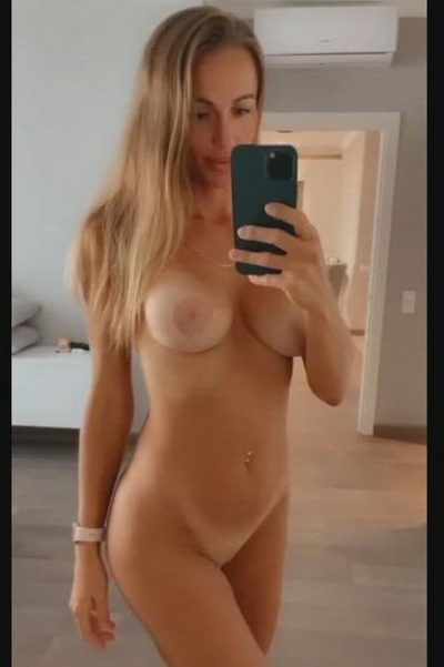 MILF loves to go without bra and panties (gif)
